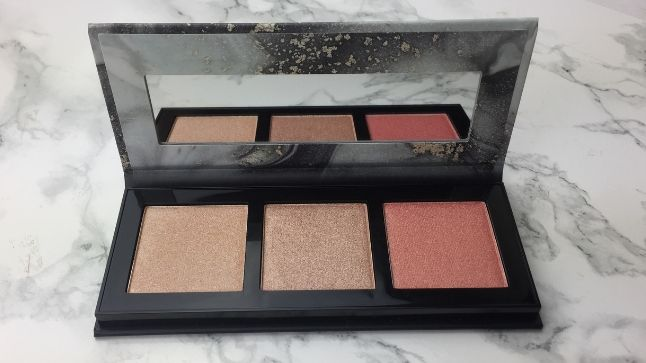 CATRICE – LUMINICE HIGHLIGHT & BLUSH GLOW PALETTE - Review- Innen