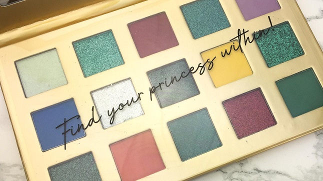 Essence - Disney Princess Ariel Eyeshadow Palette Review - Innen
