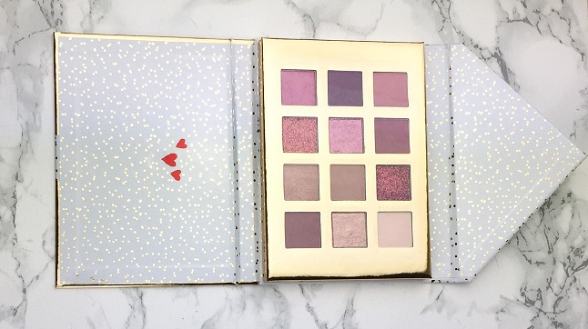 Essence - From Santa with Love Eyeshadow Palette Review - Verpackung
