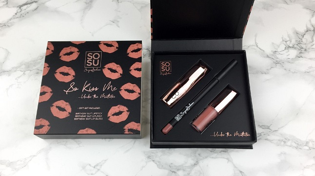 Black Friday 2019 Beauty Bay Haul - Sozu by Suzanne Jackson Lip Drawer Kiss me birthday suite
