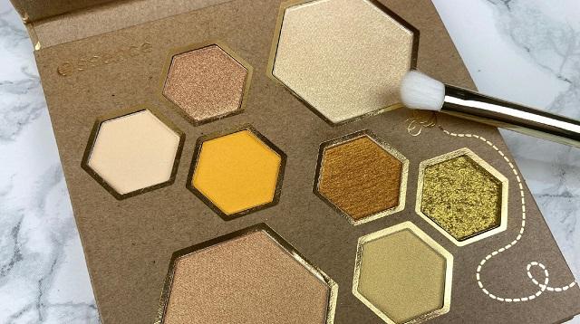 Essence - Wanna bee my Honey Palette Review -Innen close