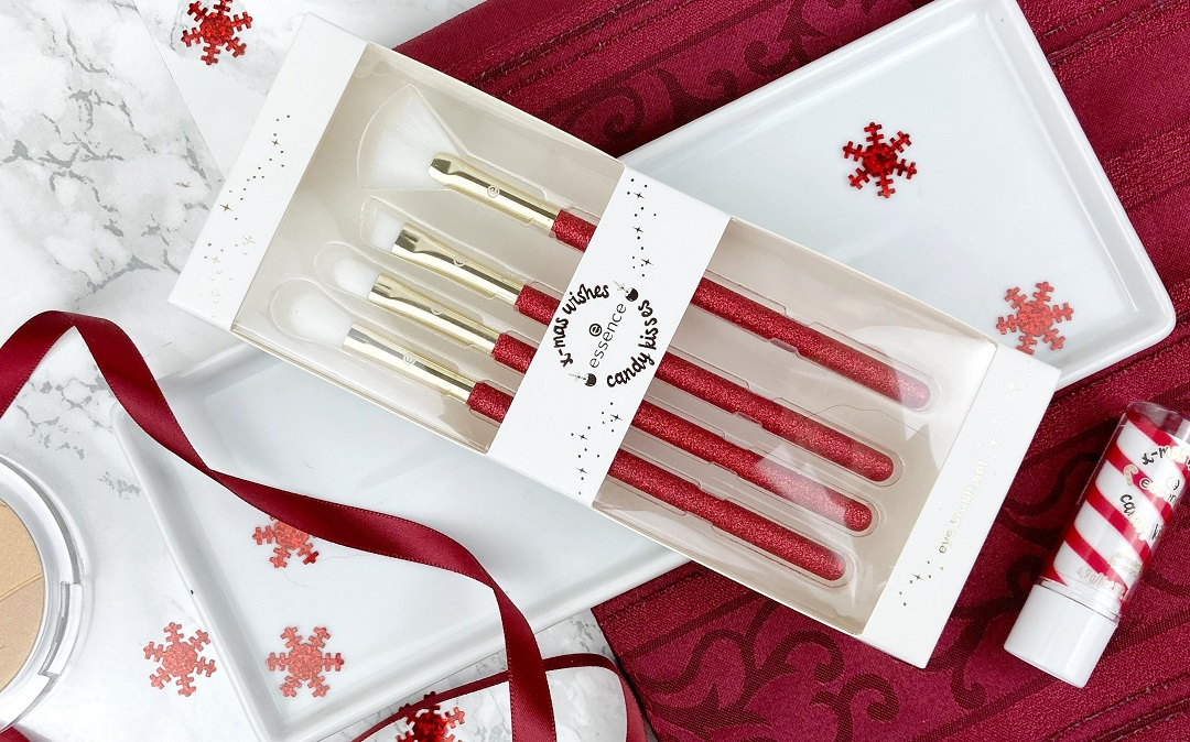 Essence Weihnachten 2020 Limited Edition - Pinselset Review - Beitragsbild