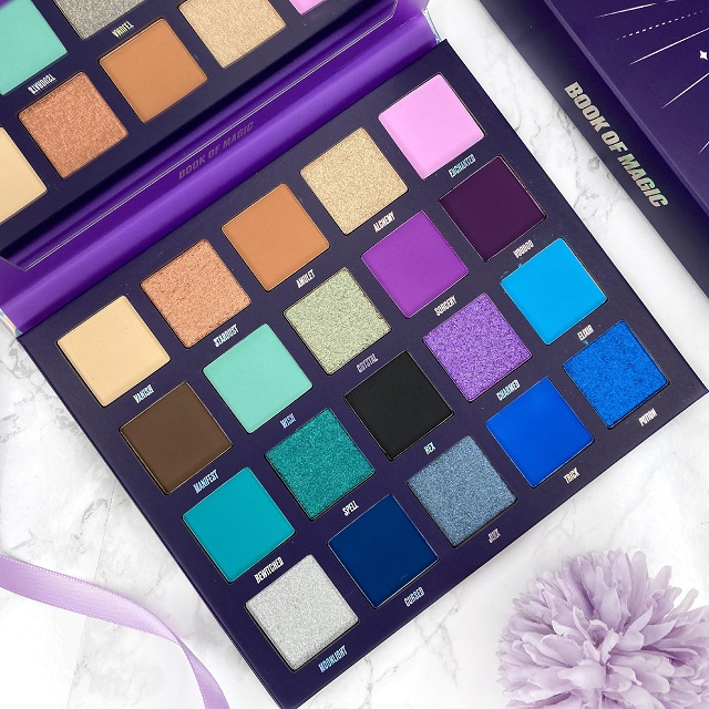 By Beauty Bay - Book of Magic Palette Review -Farben 2